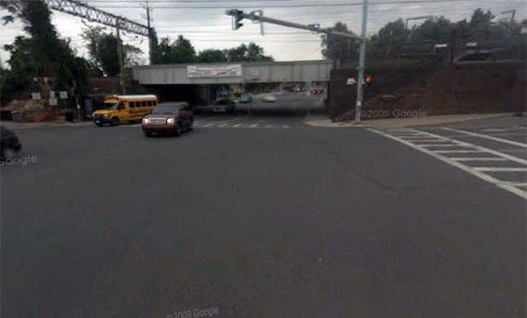 Google Street View of the Metro North railroad bridge across Mamaroneck Ave.